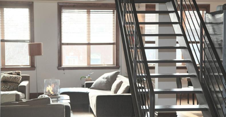 Tips om zelf je trap  in je (tweede) huis te renoveren
